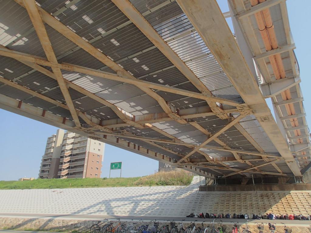 某私鉄 橋梁覆板(FRPパネル)設置