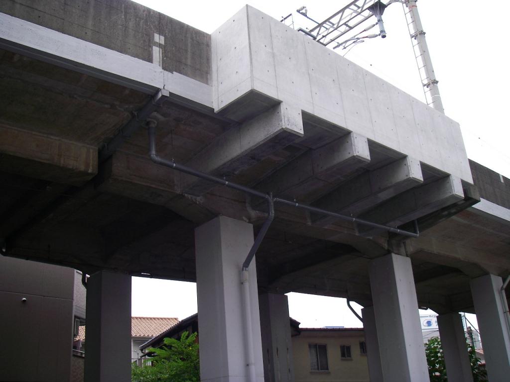 某私鉄 高架橋電気設備設置張出しスラブ工事